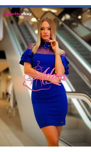 Elegantné modré šaty s volánovými rukávmi