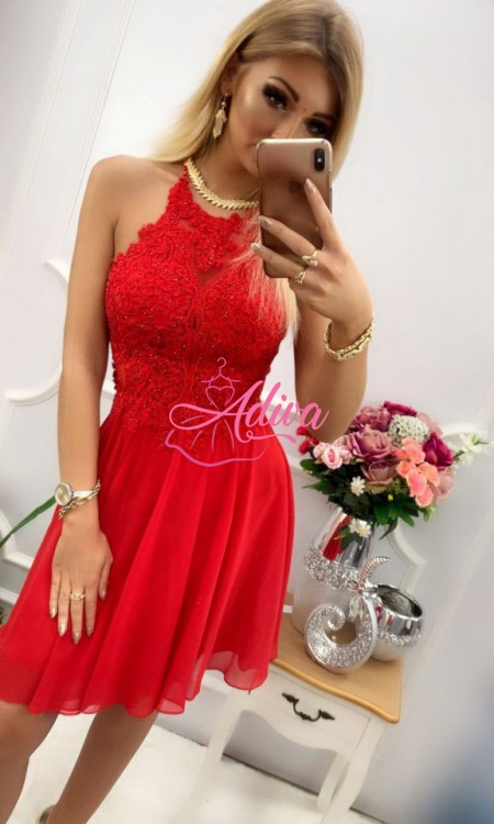 Červené krátke spoločenské šaty s prekríženými ramienkami