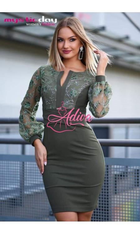 Zelené šaty s čipkovými rukávmi