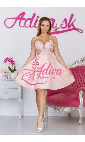 Broskynkové krátke šaty so saténovou sukňou