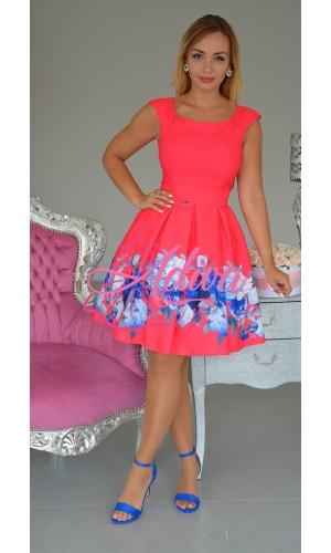 Cyklamenové áčkové šaty s modrými kvietkami
