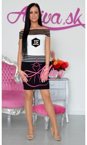 Priliehavé šaty čiernobiele