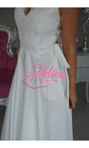 Luxusné biele spoločenské šaty so saténovou sukňou